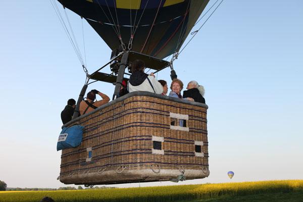 Décollage de la seconde montgolfière