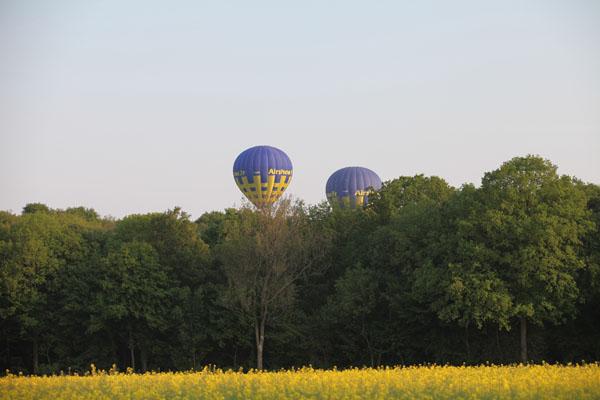 18 h 40 les 3 montgolfières sont en vol