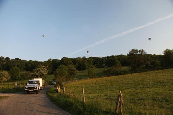 19 h 06 Les 3 ballons en l'air