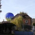 La montgolfière joue à cache-cache