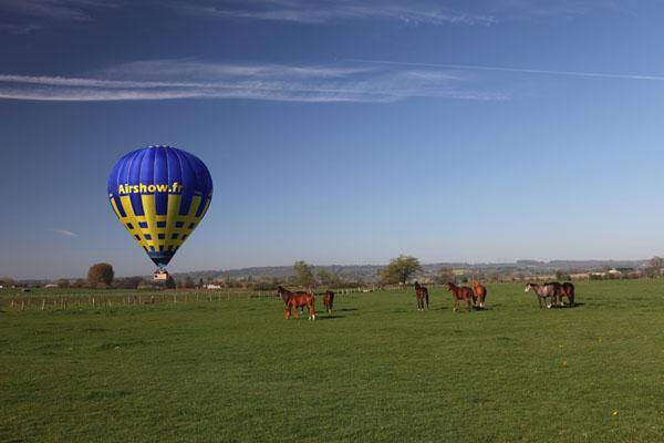 Atterrissage de la première montgolfière