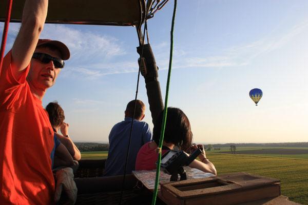 Les deux montgolfières entre le Pays de Bray et le Parc du Vexin