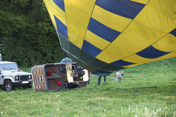 Le pilote du second ballon à la chauffe
