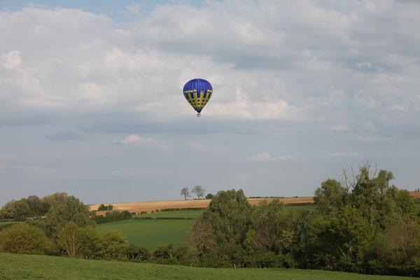 8 h 25 La montgolfière Airshow survole le Pays de Bray