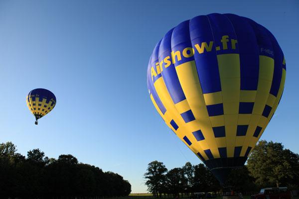 Décollage de 3 montgolfières de Blacourt