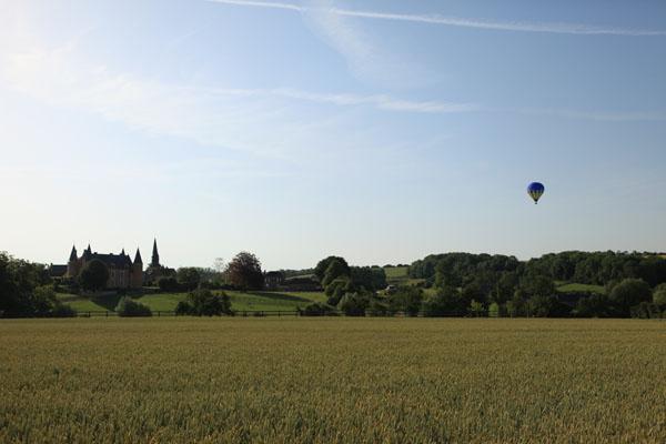 Montgolfière Airshow au-dessus du Château de Hannaches