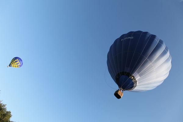 Décollage de montgolfières dans le ciel de l'Oise