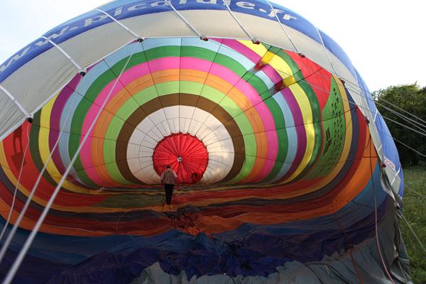 Gonflage de la montgolfière Picardie
