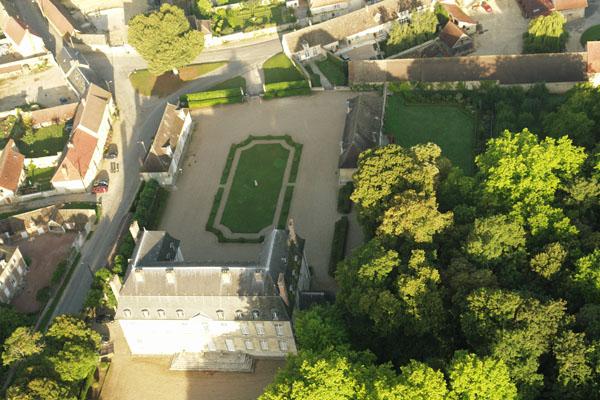 Château de Boury en Vexin depuis une montgolfière