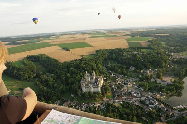 Pierrefonds depuis une montgolfière