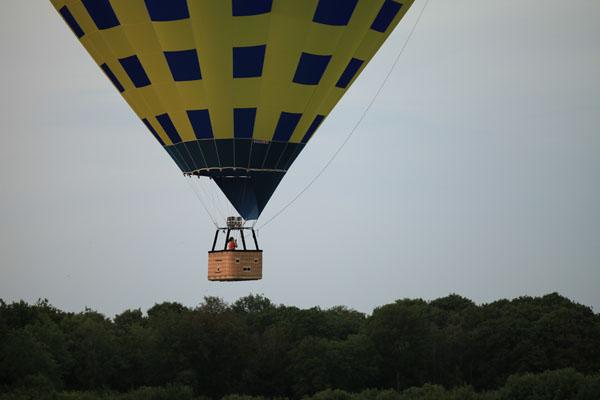 La montgolfière de Maria juste avant l'atterrissage