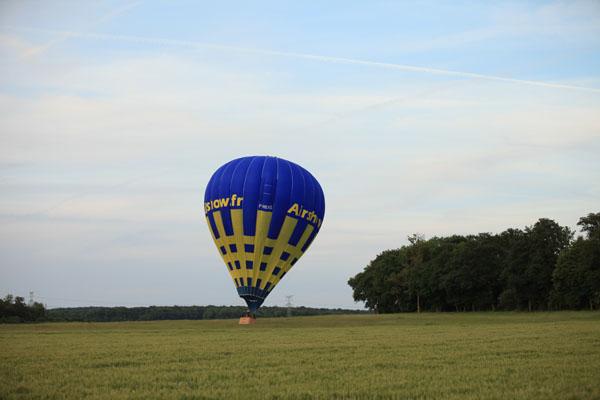 Atterrissage de la montgolfière Airshow OOsky
