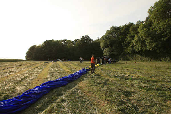 L'enveloppe de la montgolfière mesure 20 mètres de longueur