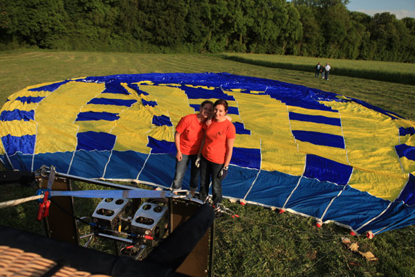 Maria, pilote d'une des montgolfière et Aurore un équipière...