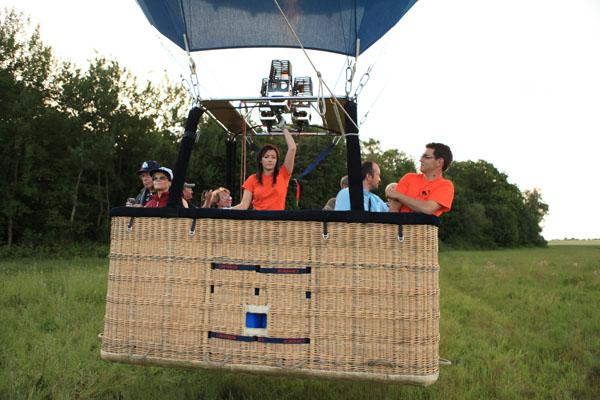 montgolfière airshow oosky au décollage