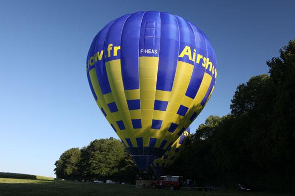 Montgolfière avant le décollage
