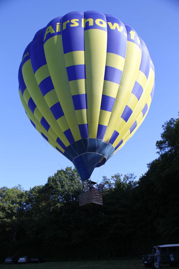 Décollage d'une montgolfière Airshow