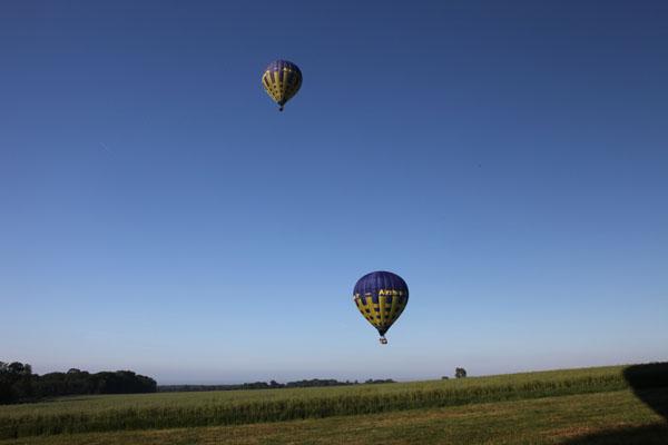 Les ballons s'éloignent vers la vallée de l'Epte