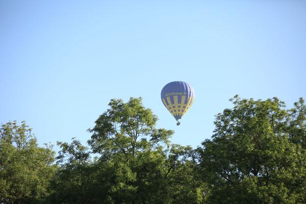 montgolfiere oosky dans le ciel de Gisors